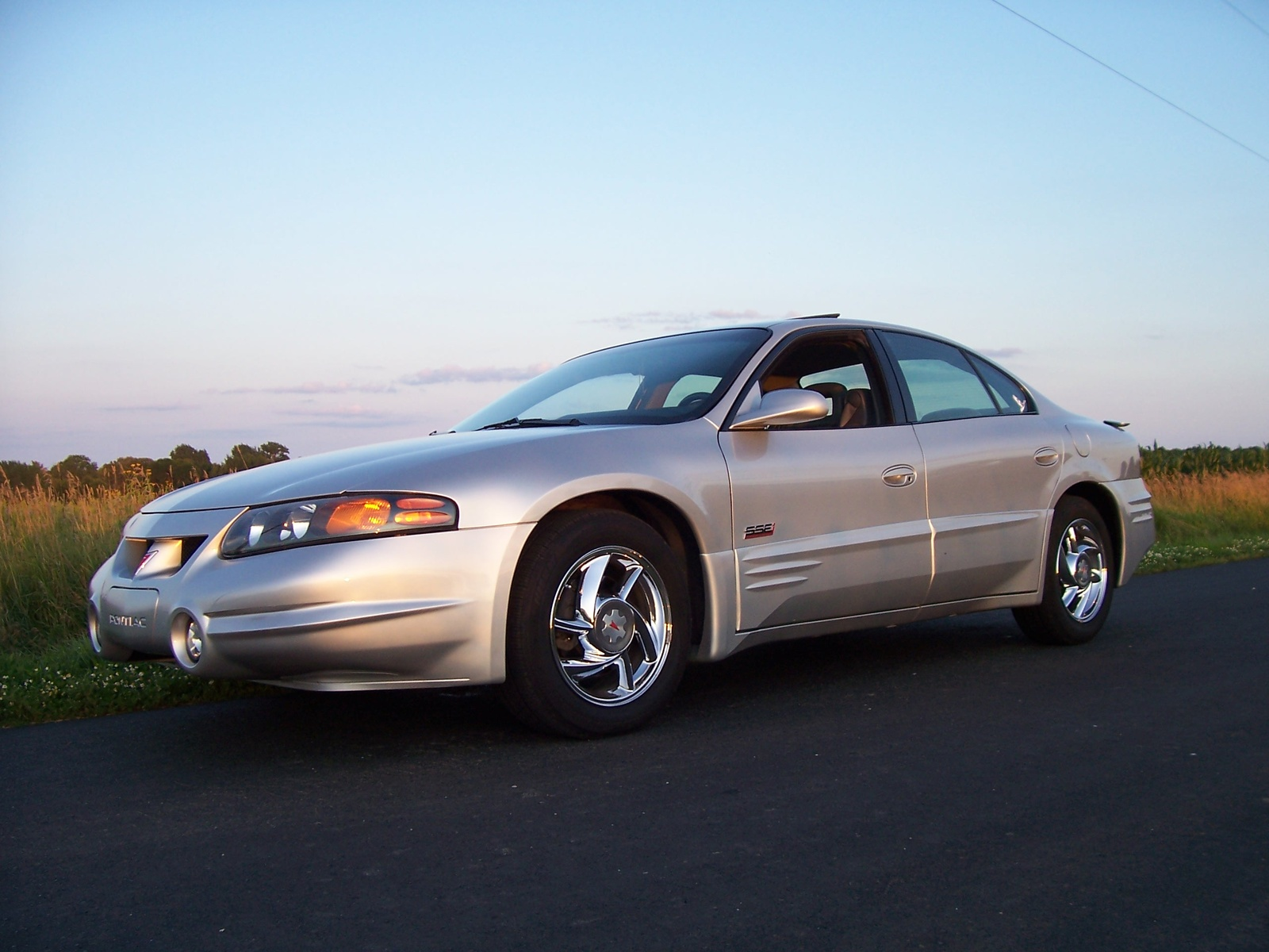 Picture of 2000 Pontiac Bonneville SSEi