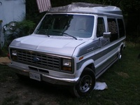 1990 Ford E-150 Overview