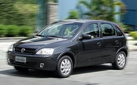 2004 Chevrolet Corsa Overview