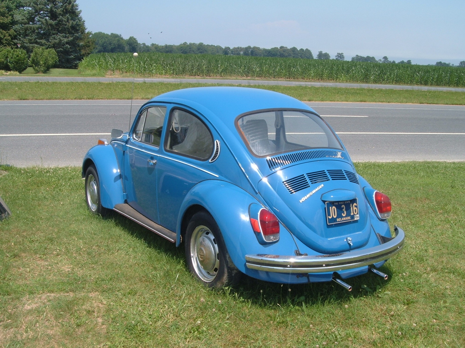153911 furthermore Viewtopic likewise 2015 Vw Jetta Fuse Box Diagram furthermore La Purge Des Freins Facile as well My 1965 1200 A Vw Beetle Restoration. on 1974 super beetle interior