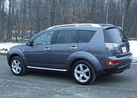 2009 Mitsubishi Outlander Overview