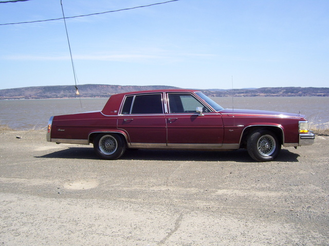 Picture of 1987 Cadillac Fleetwood