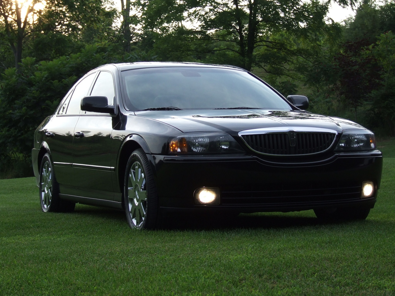 2003 Lincoln Ls - Overview