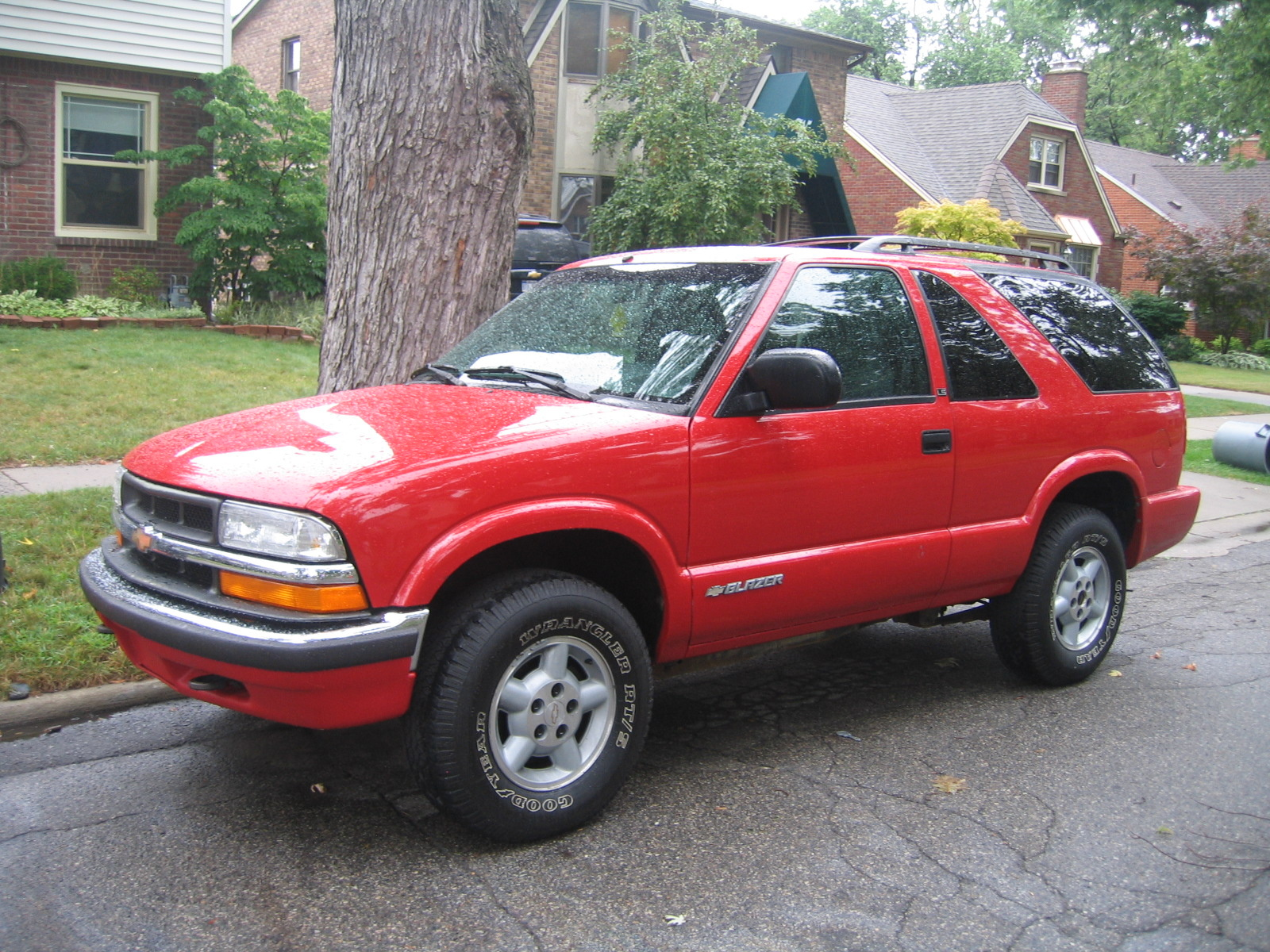 Chevrolet Blazer Dr Ls Wd Suv Pic X on 2000 Chevrolet Blazer Cargo Space