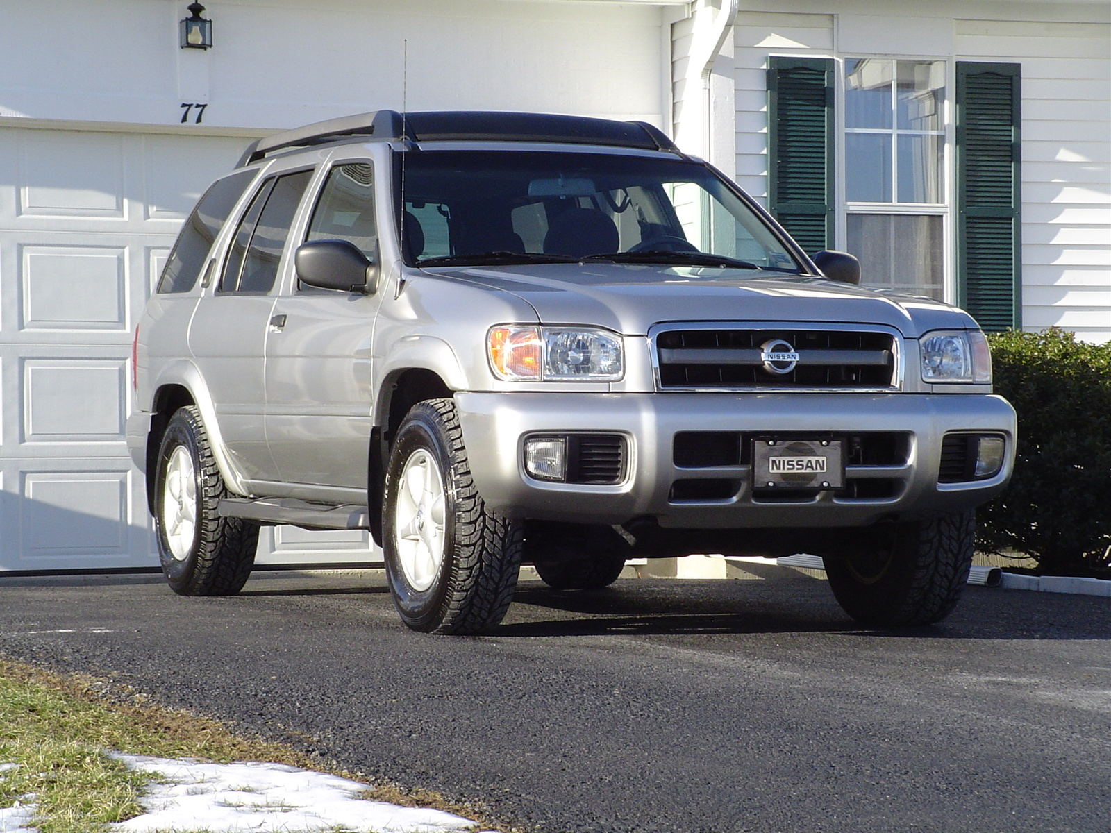 Picture of 2002 Nissan Pathfinder SE 4WD