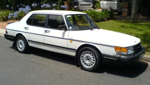 Picture of 1993 Saab 900