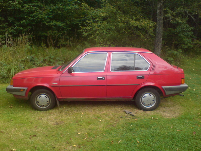 Picture of 1987 Volvo 340