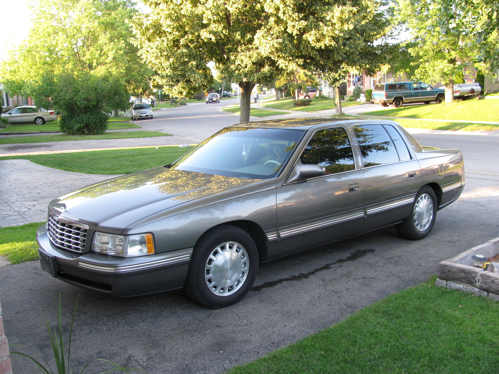 1998 Cadillac DeVille Overview CarGurus