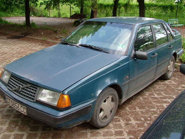 Picture of 1990 Volvo 460