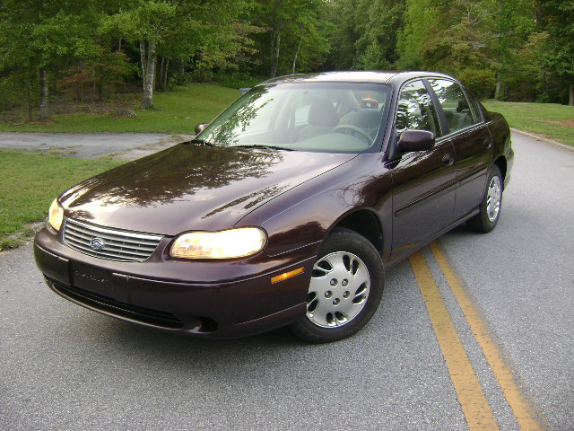 1998 Chevrolet Malibu 4 Dr STD Sedan picture