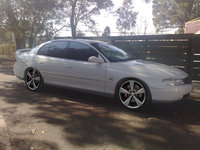 2000 Holden Calais Overview