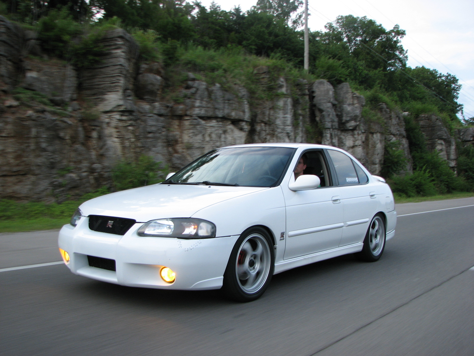 2004 Nissan Sentra SE-R - Car Pictures, Photos, Spy Shoot, Wallpapers ...