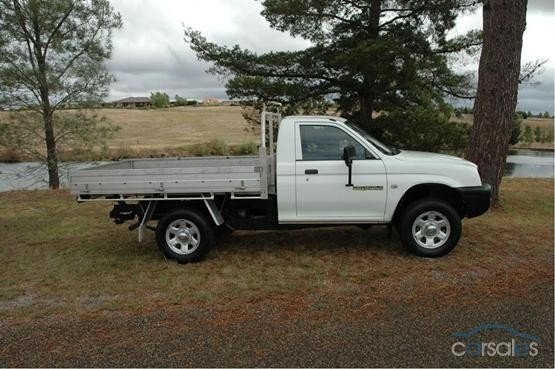 Picture of 1999 Mitsubishi Triton