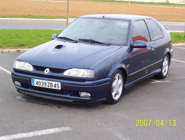 Picture of 1995 Renault 19