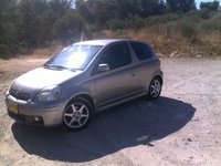 2004 Toyota Yaris Picture Gallery