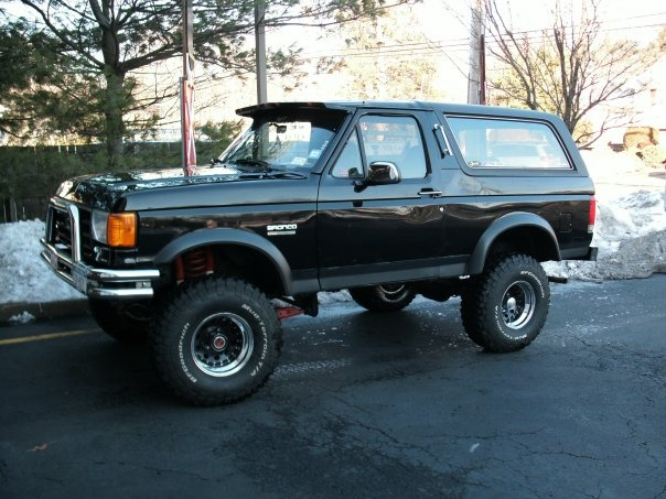 Ford Bronco Pic X