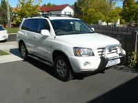 2005 Toyota Kluger Overview