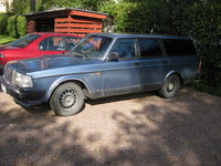 1987 Volvo 245 Overview
