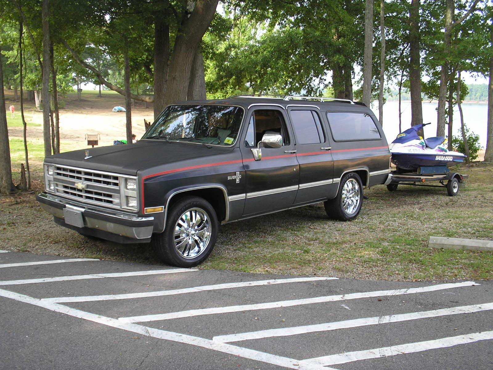 1986 Chevy Suburban