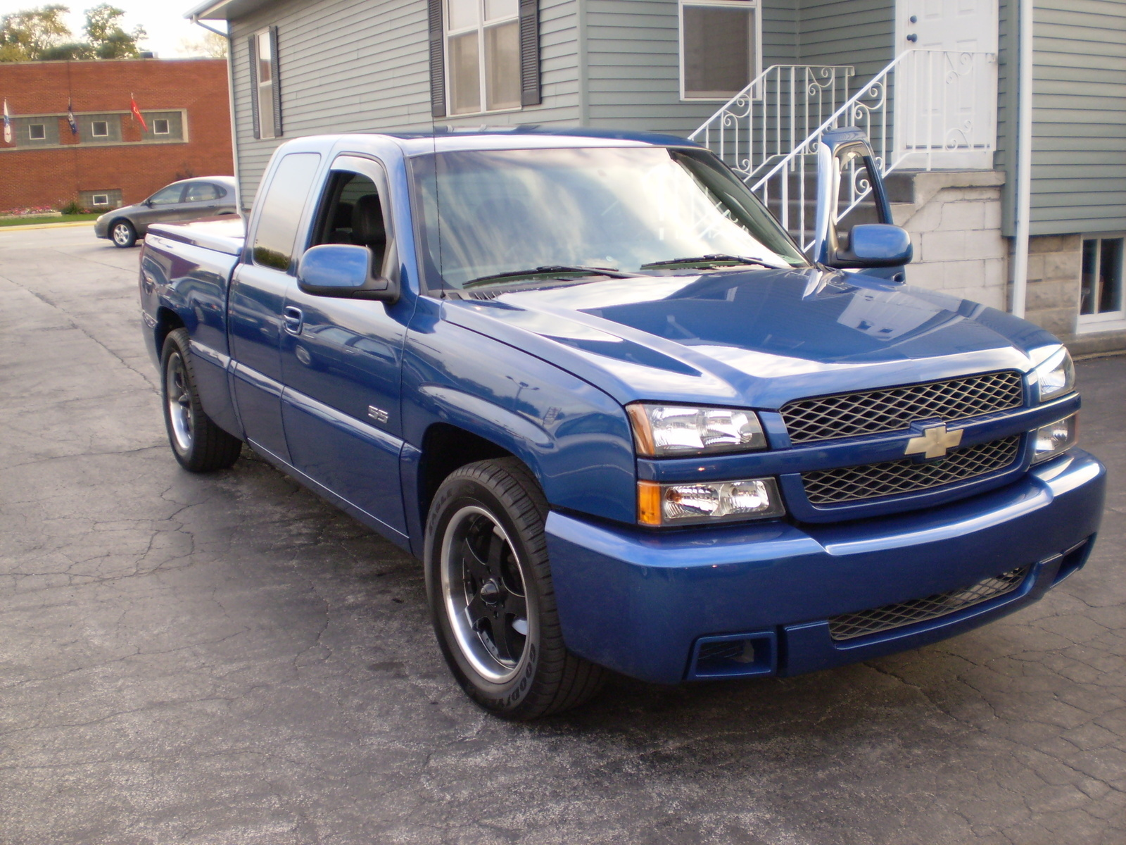 2003 chevrolet silverado ss overview cargurus. Black Bedroom Furniture Sets. Home Design Ideas