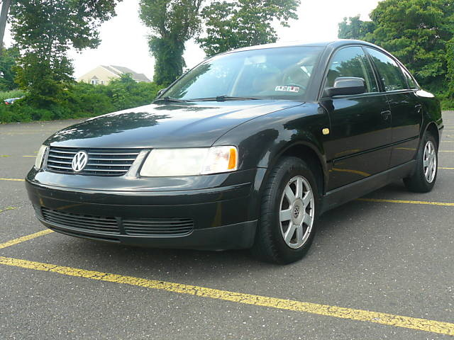 Picture of 1999 Volkswagen Passat 4 Dr GLS V6 Sedan