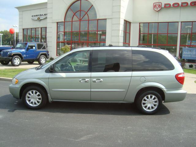2010 Chrysler town country owner manuals