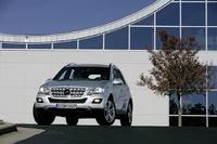 2010 Mercedes-Benz M-Class, Front View, exterior, manufacturer