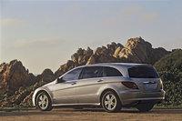 2010 Mercedes-Benz R-Class, Back Left Quarter View, exterior, manufacturer