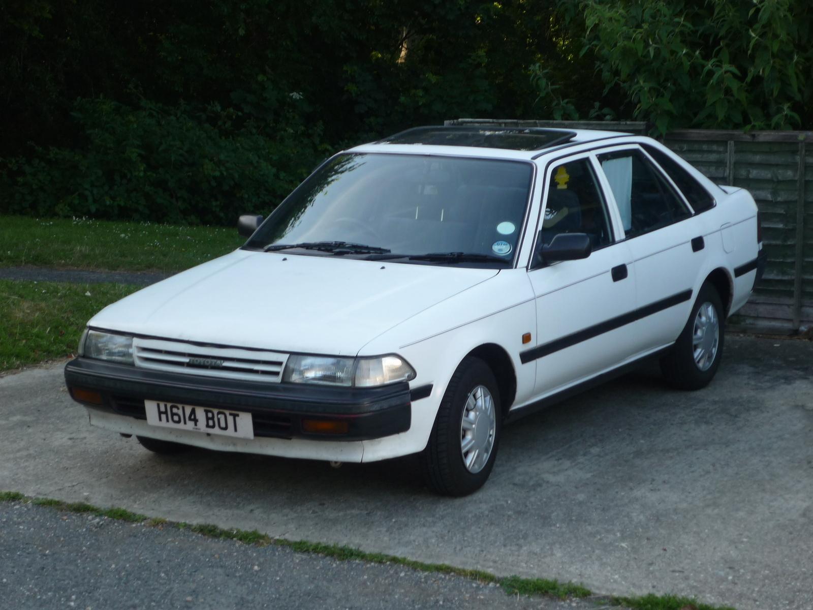 тойота карина 1990 фото