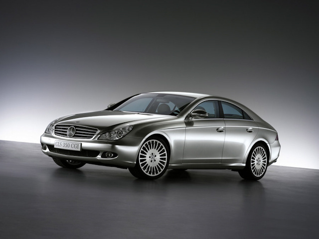 2010 Mercedes-Benz CLS-Class, Front Right Quarter View, exterior, manufacturer