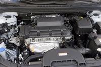 2010 Hyundai Elantra Touring, Engine View, engine, manufacturer
