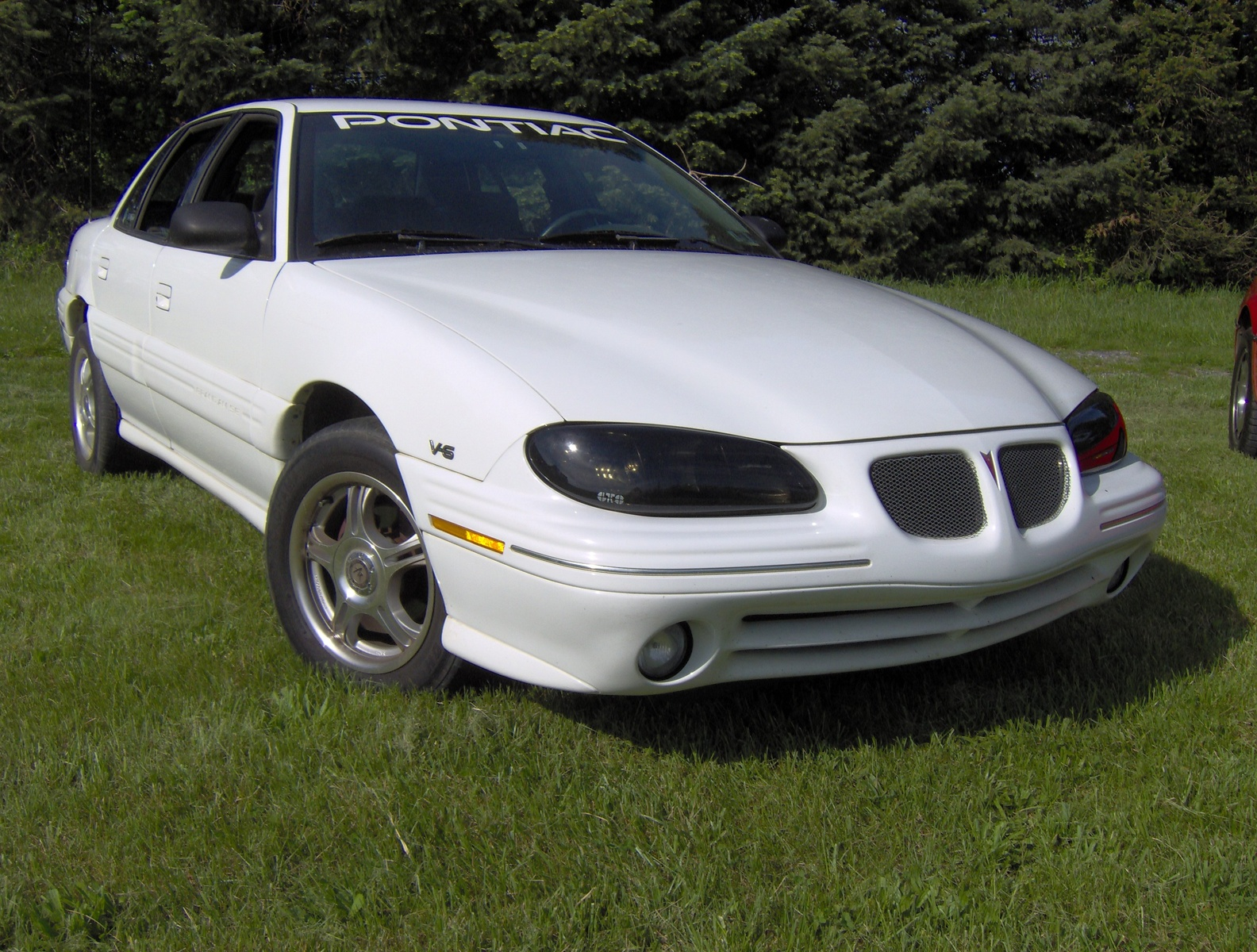 1997 Pontiac Grand Am 4 Dr SE Sedan picture