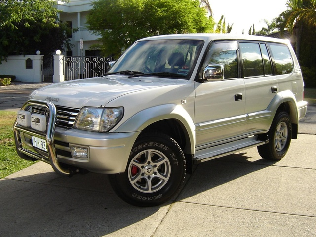 Picture of 2000 Toyota Land Cruiser Prado