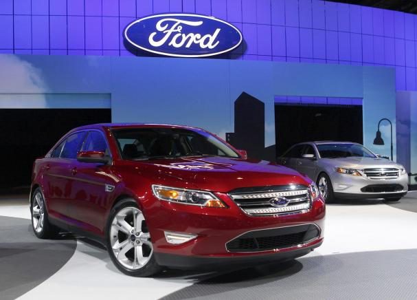 2010 Ford Taurus Sho Awd Pic 5444487304443059007