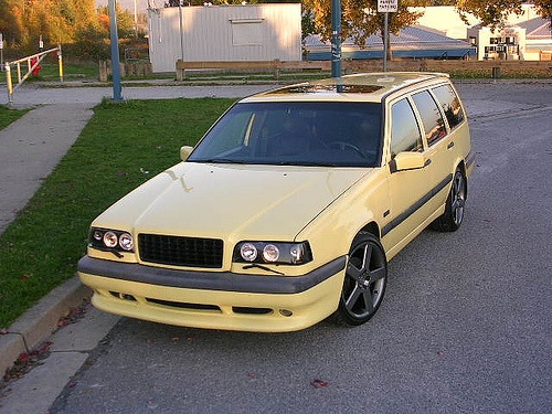 1995 Volvo 850 4 Dr T5R Turbo Wagon picture, exterior