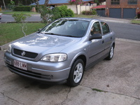 2004 Holden Astra Overview