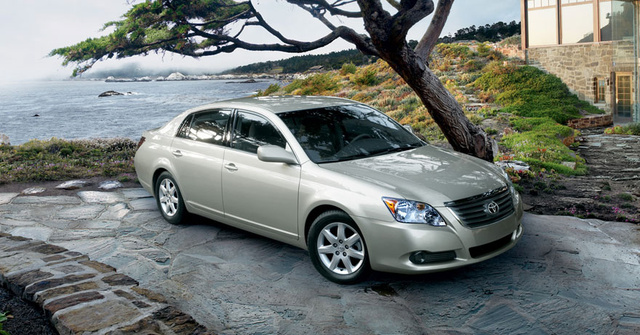 2010 Toyota Avalon, Front-quarter view, exterior, gallery_worthy