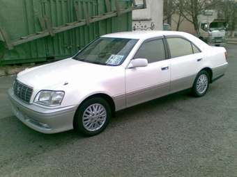 2000 Toyota Crown picture