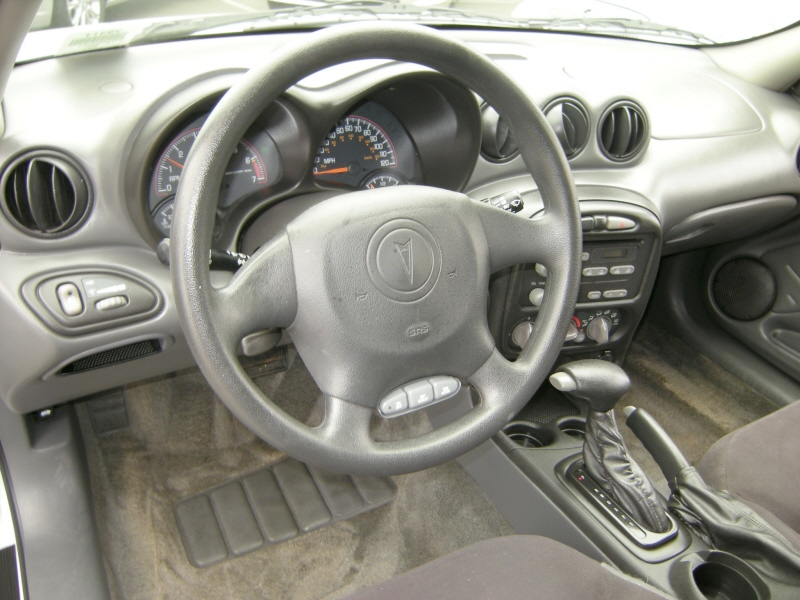 Pontiac Aztek Interior. 2004 Pontiac Aztek Interior