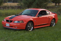 2004 Ford Mustang Overview