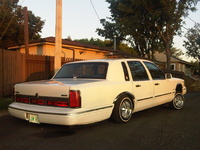 1997 Lincoln Town Car Executive, 1997 Lincoln Town Car 4 Dr Executive Sedan picture, exterior