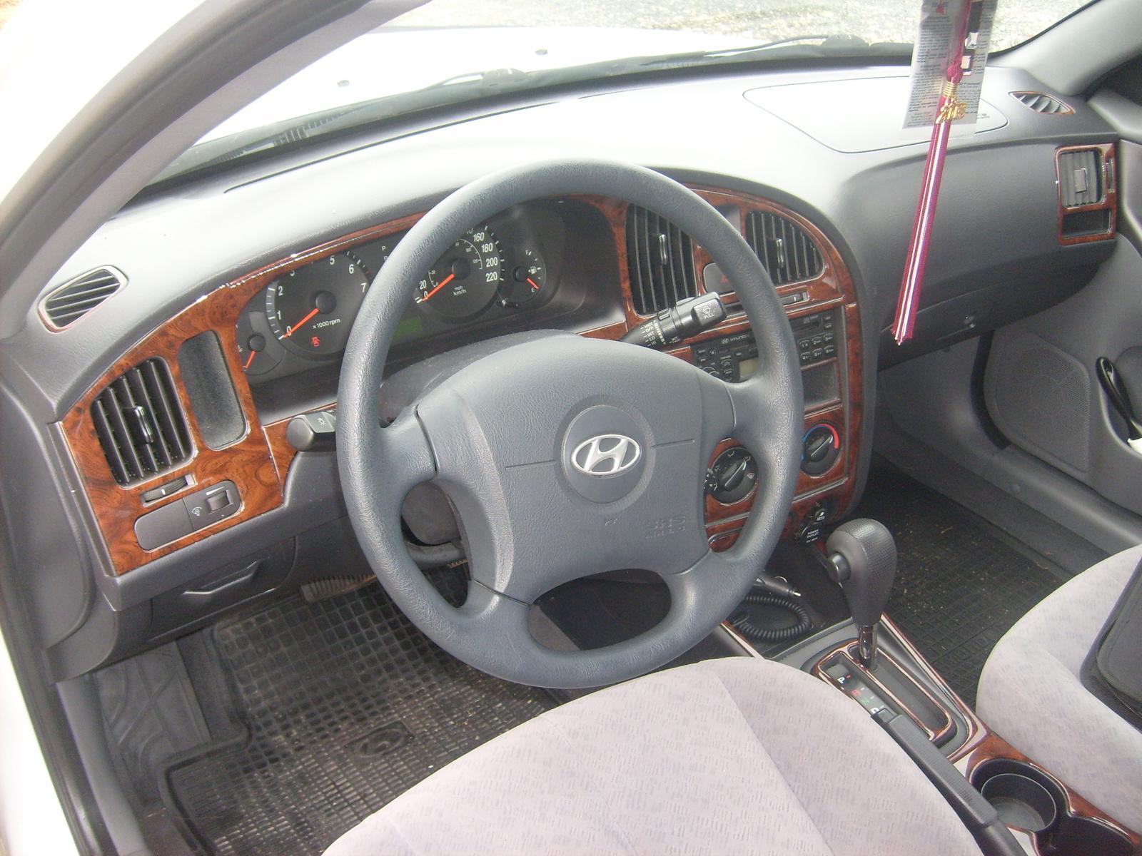 2004 Hyundai Elantra Interior Pictures Cargurus