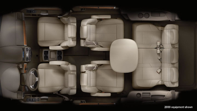 2010 Chrysler Town Amp Country Overview Cargurus