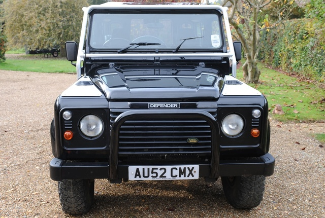 land rover defender 2002 review
