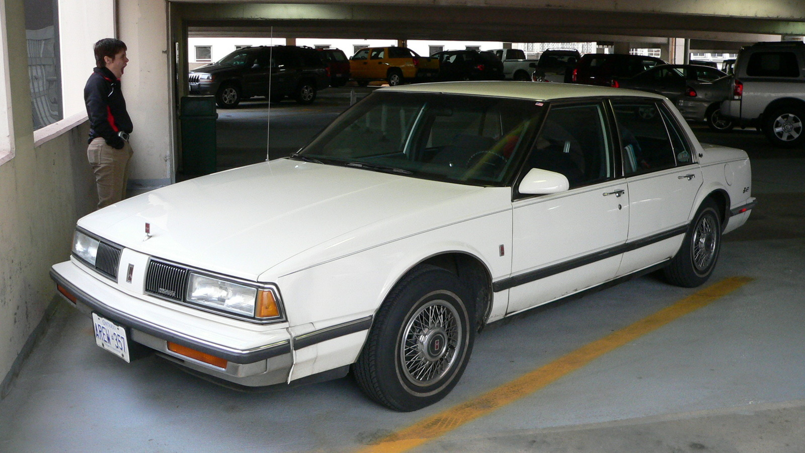 1989 Oldsmobile Eighty Eight Overview Cargurus 1992 88 Picture Of Engine