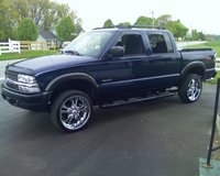 Picture of 2004 Chevrolet S-10 LS Crew Cab 4WD, exterior, gallery_worthy