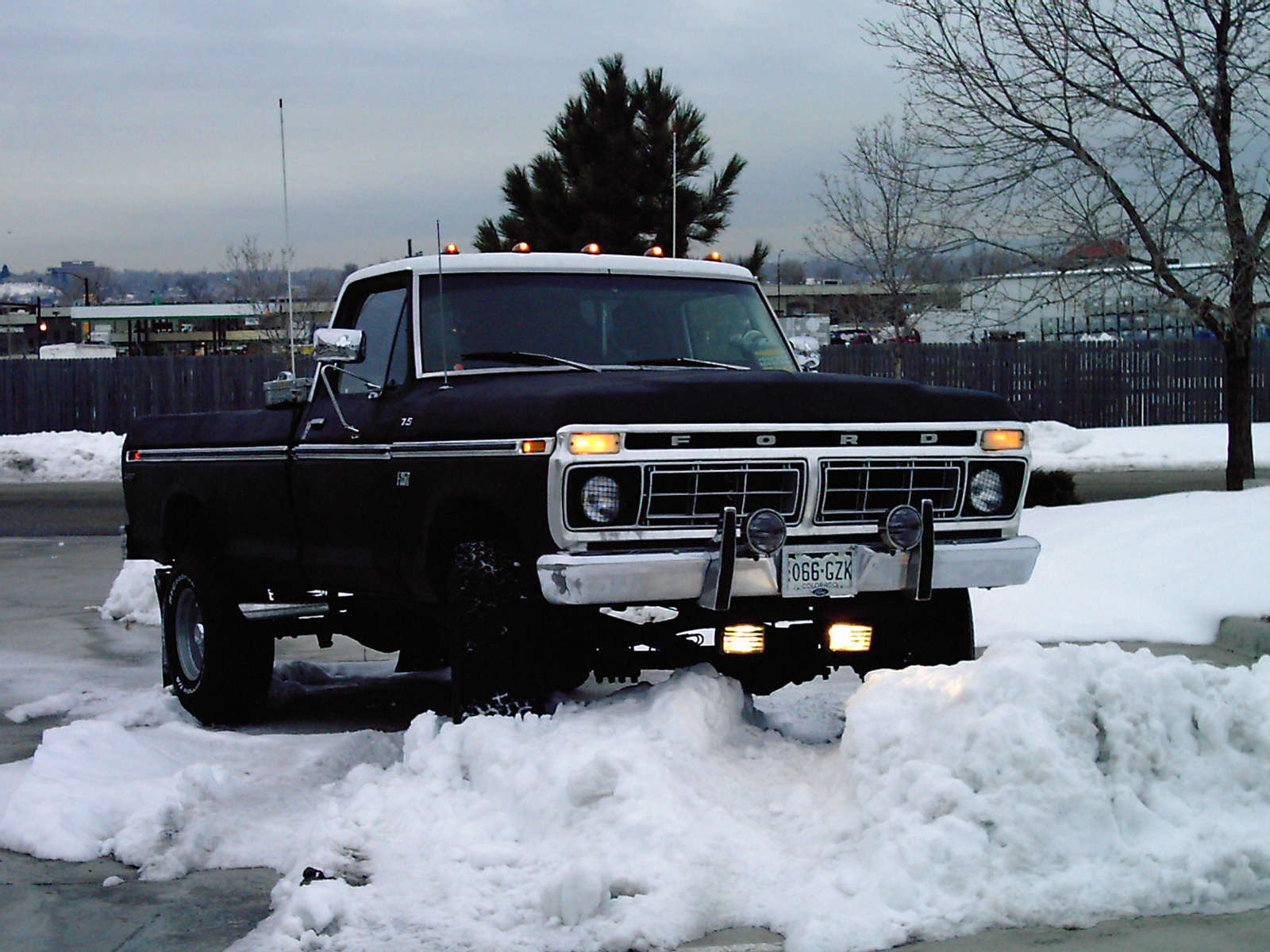 Home / Research / Ford / F-250 / 1975
