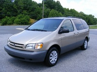 2000 Toyota Sienna Picture Gallery