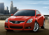 2010 Nissan Altima Coupe Overview