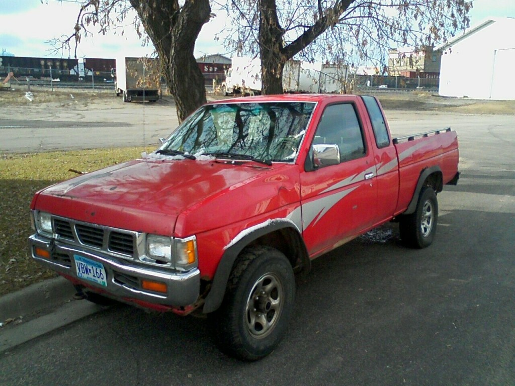 1993 Nissan Pickup picture